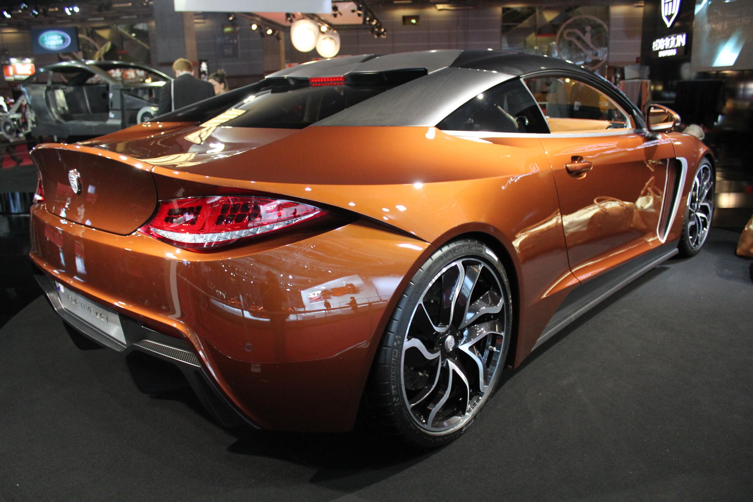 http://images.caradisiac.com/images/1/3/7/5/81375/S0-En-direct-du-Mondial-2012-Exagon-Motors-Furtive-e-GT-une-Fisker-Karma-a-la-francaise-274373.jpg