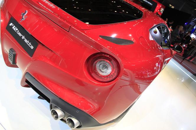 Vidéo en direct du Mondial de Paris 2012 : la Ferrari F12berlinetta n'est pas la nouveauté