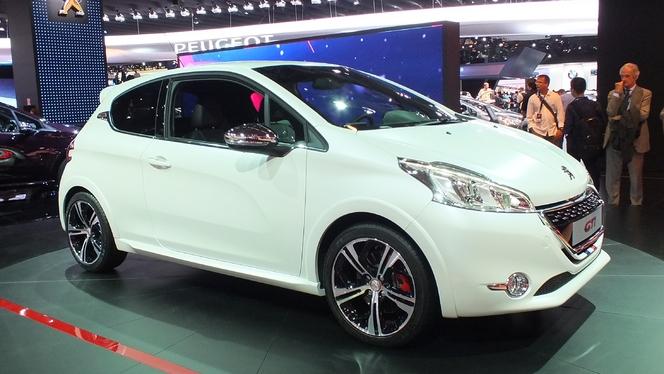 Vidéo en direct du Mondial de Paris 2012 : la Peugeot 208 GTI, digne héritière ?
