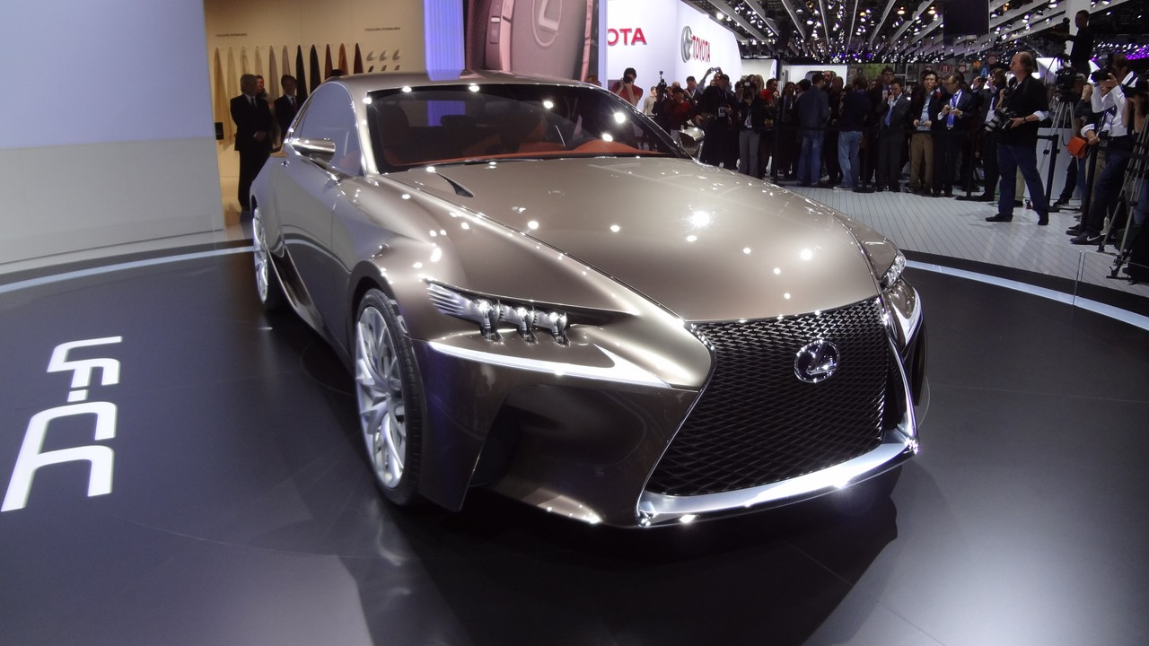http://images.caradisiac.com/images/1/4/0/3/81403/S0-En-direct-du-Mondial-2012-Lexus-LF-CC-Concept-Creating-Complexity-273422.jpg