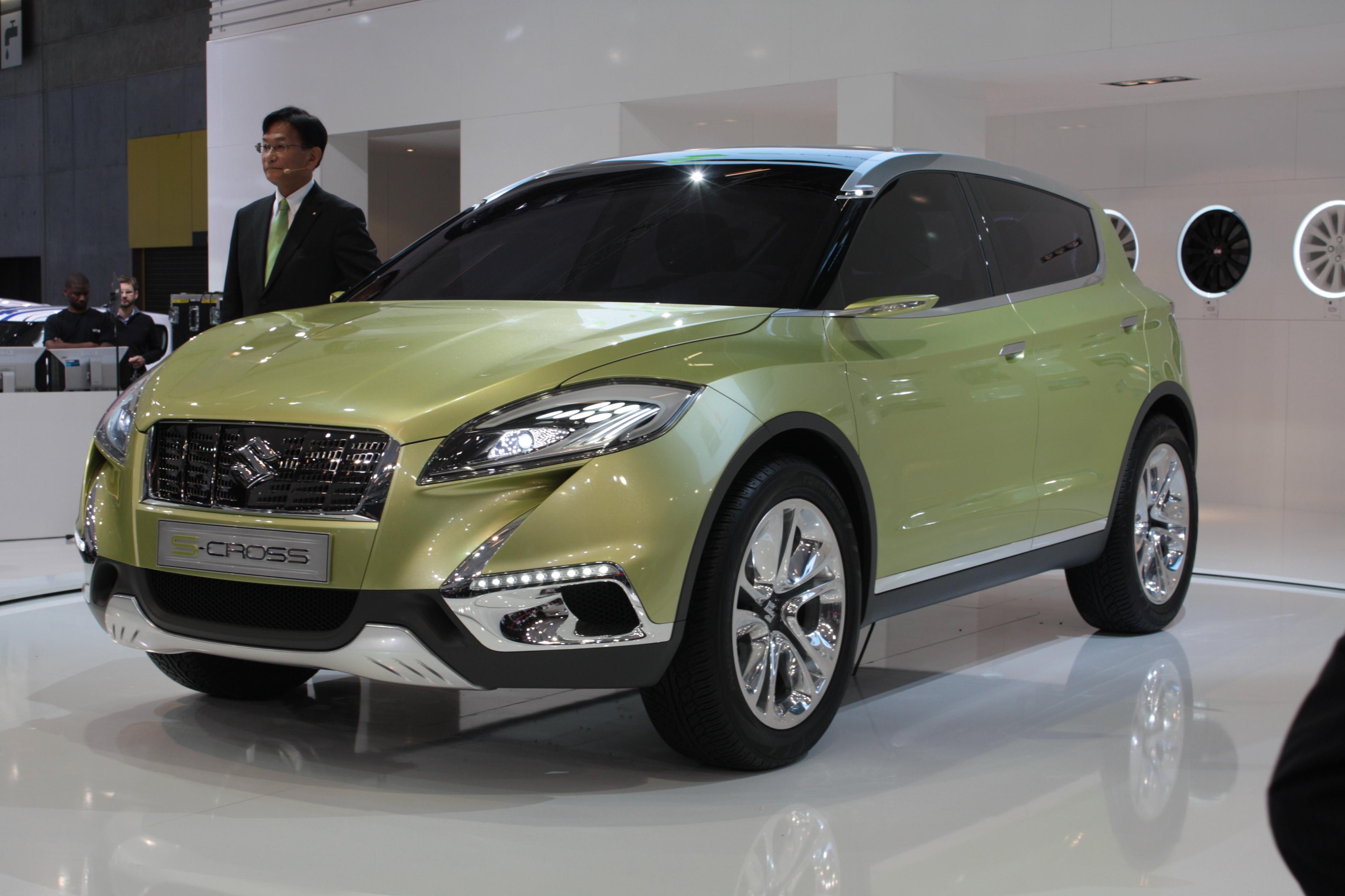 http://images.caradisiac.com/images/1/4/0/6/81406/S0-En-direct-du-Mondial-2012-Suzuki-S-Cross-Concept-273156.jpg