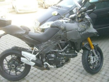 Ducati 1098 Multistrada 2010, les photos volées.