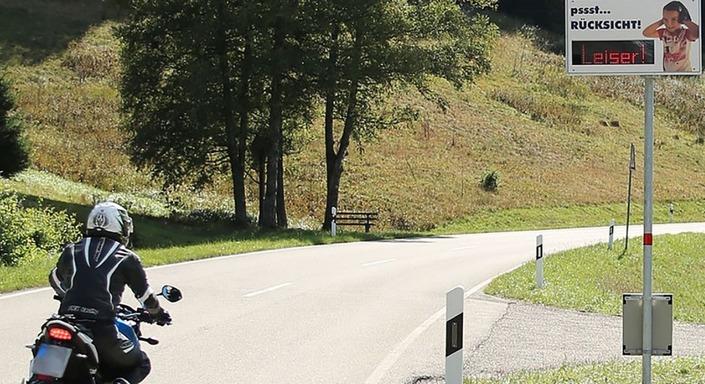 La chasse aux motos bruyantes est lancée en Allemagne S1-la-chasse-aux-motos-bruyantes-est-lancee-en-allemagne-620461