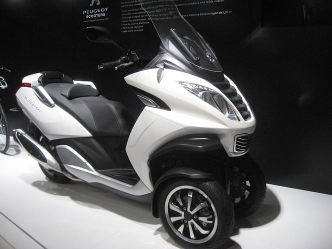 En direct du Mondial de Paris 2012 : Peugeot Scooters dévoile le Métropolis