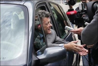 Jean-Louis Borloo vante le prototype hybride de Renault