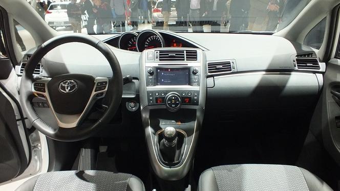 Vidéo en direct du Salon de Paris 2012 : Toyota Verso restylé, un nouveau visage plus expressif
