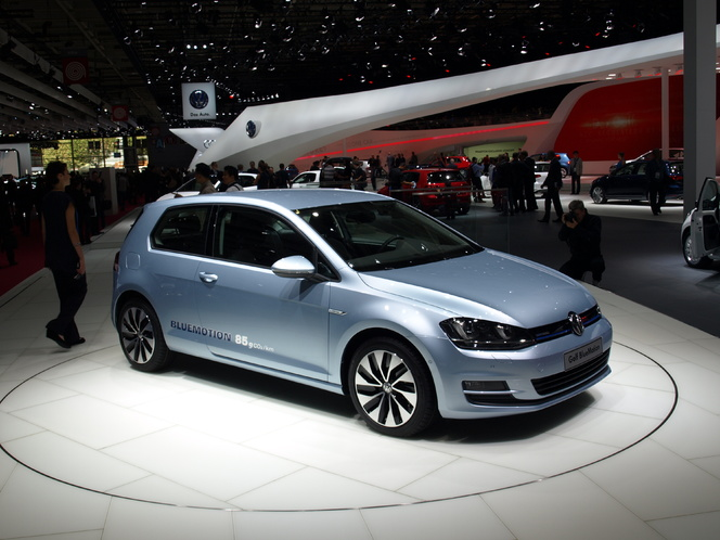 En direct du Mondial de l'auto - Volkswagen Golf 7 Bluemotion :  green pisse