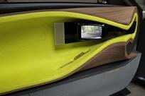 Les rétroviseurs renvoient sur des écrans implantés dans les contre-portes