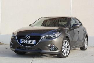 Comparatif vidéo - Mazda 3 vs Honda Civic : déficit d'image