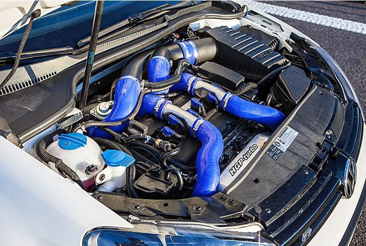hgp turbo colle 745 chevaux dans la golf r. Black Bedroom Furniture Sets. Home Design Ideas