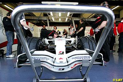 Formule 1: Super Aguri, sans étrennes, attend ses voeux pour 2008