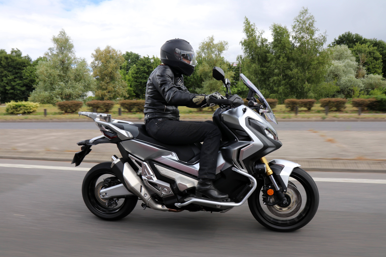 f6edde2295478 Les Vlogs du Honda X-ADV, épisode 2 : au quotidien