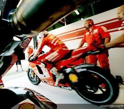 """Moto GP - Ducati: """" Préparer 2010"""""""