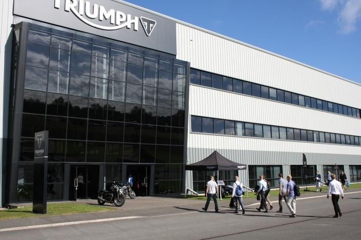 Triumph délocalise toute sa production en Thaïlande