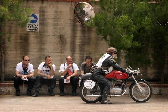 Calendrier : Ducati Motogiro 2008