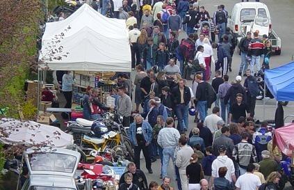 Puce moto de St Cornier des Landes, au coeur de la Basse Normandie, le dimanche 2 mai