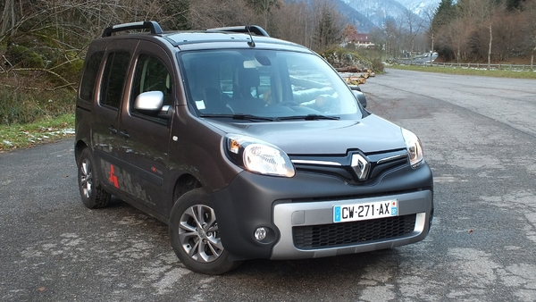 portfolio essai renault kangoo extrem l illusionniste. Black Bedroom Furniture Sets. Home Design Ideas