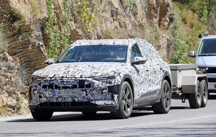 Scoop : le SUV Audi e-tron quattro prend la route