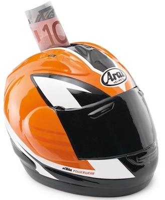 KTM vous permet d'épargner avec sa tirelire Cash Helmet.