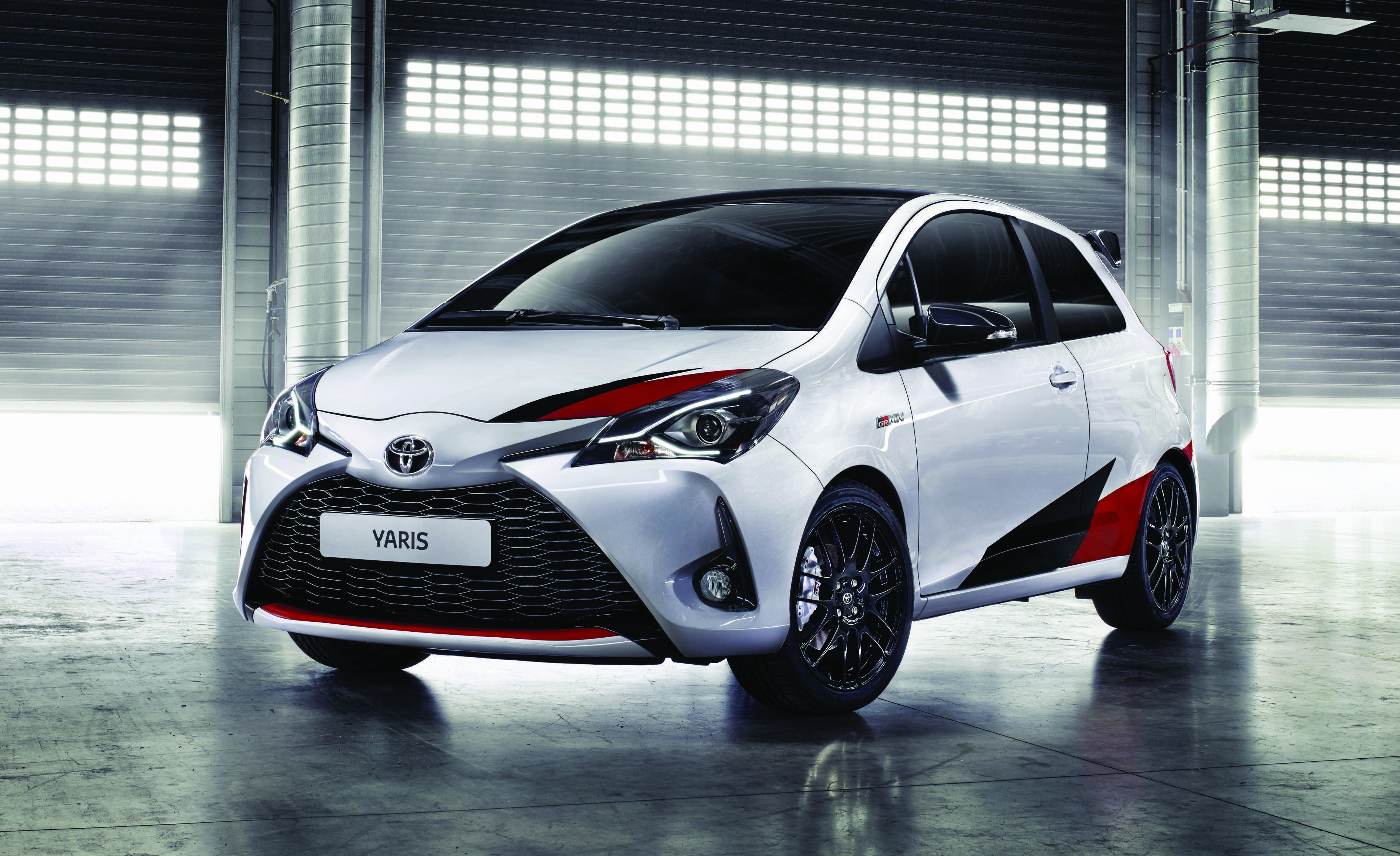 toyota yaris grmn un prix de 30 700 les r servations se feront en ligne. Black Bedroom Furniture Sets. Home Design Ideas
