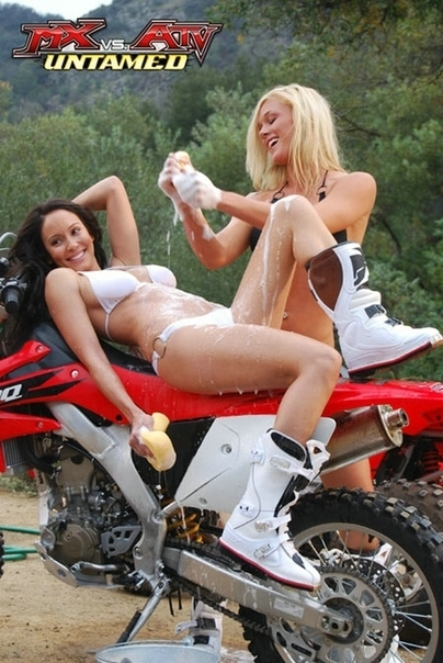 Jeu Vidéo Moto & Sexy : MX vs ATV Untamed: Bikini Babe Viral