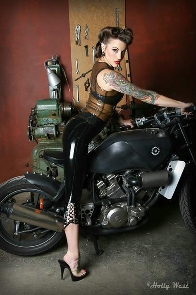 Moto & Sexy : les nouvelles Pin-ups
