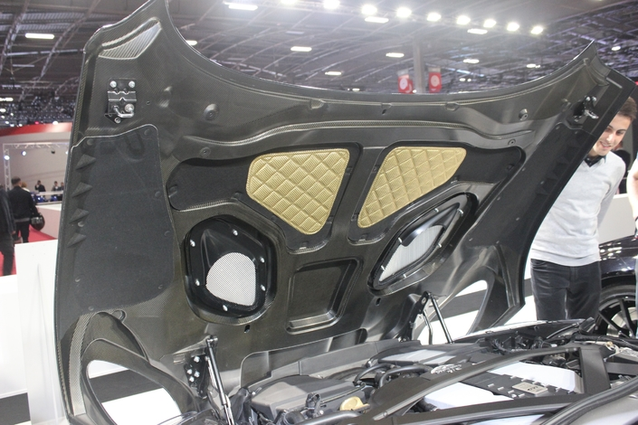 Aston Martin DBS Superleggera : du lourd ! - En direct du Mondial de Paris 2018
