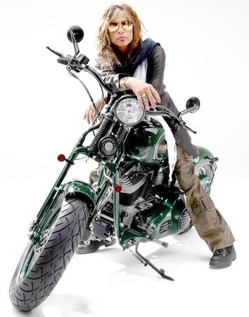 Salon de Milan 2013: Metzeler dévoilera un pneu Supersport et un Custom Touring
