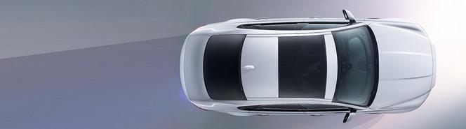 Salon de New York : la future Jaguar XF se dévoile de l'intérieur