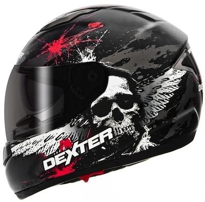 Dexter arrive dans le monde de la moto.