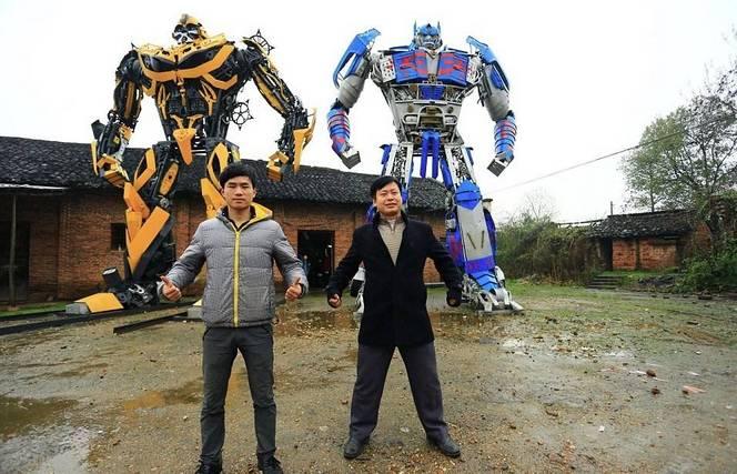 Insolite : ils construisent des robots Transformers avec des pièces détachées
