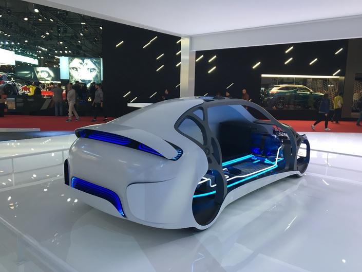 Carrosserie mutante et pile à combustible font partie des innovations proposées par le français Plastic Omnium.