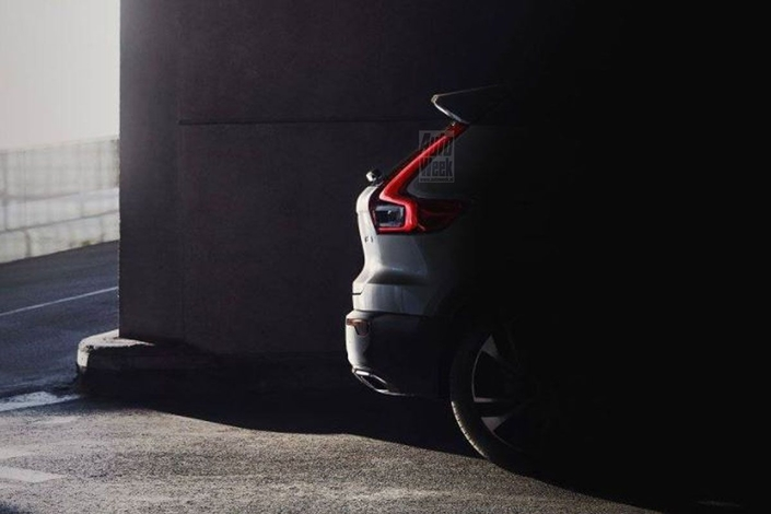 Volvo XC40: un nouveau teaser montre l'arrière