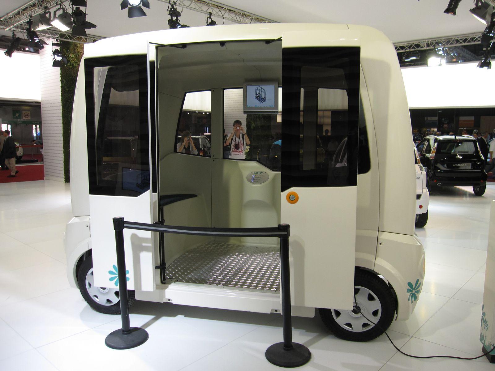 en direct du mondial de paris le vipa v hicule lectrique de transport de passagers autonome. Black Bedroom Furniture Sets. Home Design Ideas