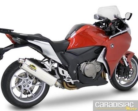 Laser Exhausts propose plusieurs pots à la Honda VFR 1200.