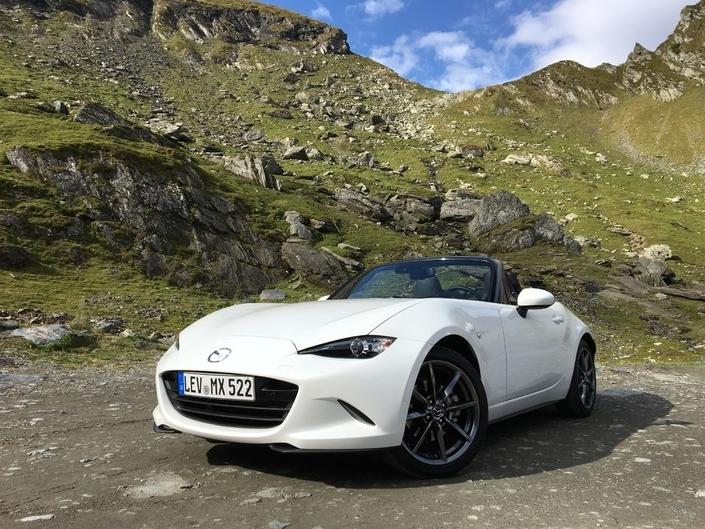 Mazda zappe aussi le Mondial, ce qui signifie que les visiteurs ne pourront découvrir ni les dernières évolutions du MX-5, récemment essayé sur Caradisiac avec son brillant 2.0 184 ch, ni celles - légères - apportées au petit crossover urbain CX-3.
