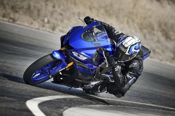 Nouveauté - Yamaha: la R3 se veut plus pistarde.