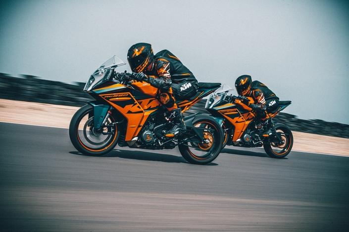 KTM RC 125 et KTM RC 390: un nouvel élan pour les sportives KTM