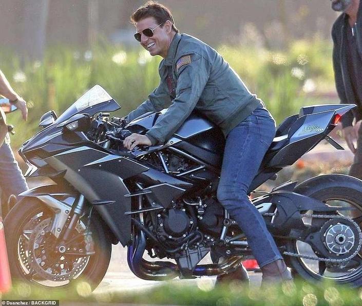 Cinéma: Tom Cruise en pince pour la Kawasaki Ninja H2.