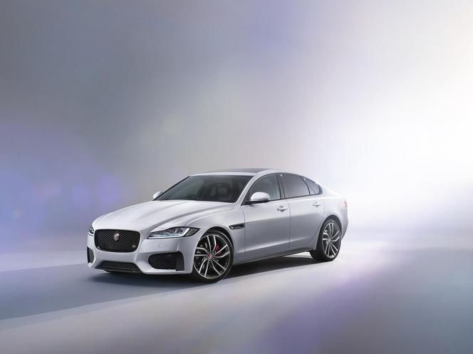 Nouvelle Jaguar XF : pas de révolution, au premier abord