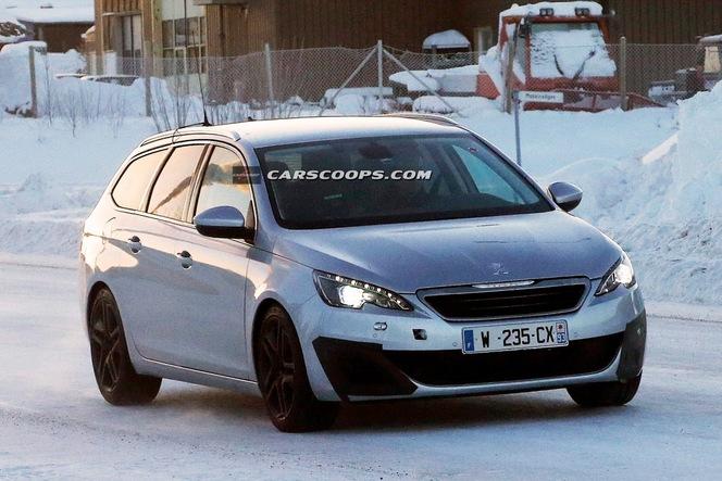 Surprise : la Peugeot 308 SW GTi à la neige