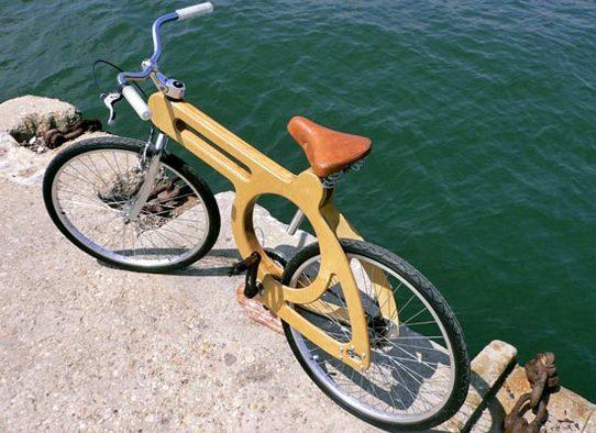 Allemagne : un vélo tout de bois vêtu
