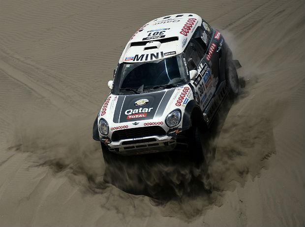 Dakar 2014 - ES10 : Al-Attiyah rumine sa pénalité, Peterhansel à 2' de Roma