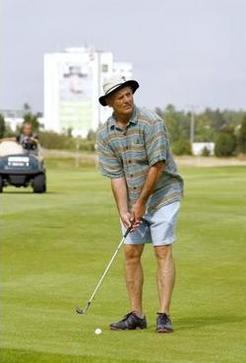 Stockholm : l'acteur Bill Murray ivre au volant d'une voiture de golf électrique !