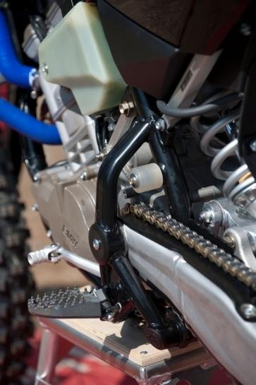 Nouveauté : les photos de la 450 Husqvarna 2011 au moteur BMW !