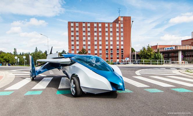 Elon Musk (Tesla) pense que les voitures volantes ne sont pas une bonne idée