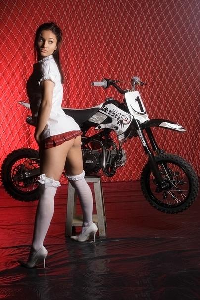 Moto & Sexy : Différentes tenues idéales pour la pratique du Dirt Bike