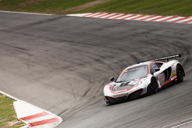 (Week-end de course) Hexis et McLaren si'mposent pour la finale des Blancpain Endurance Series...