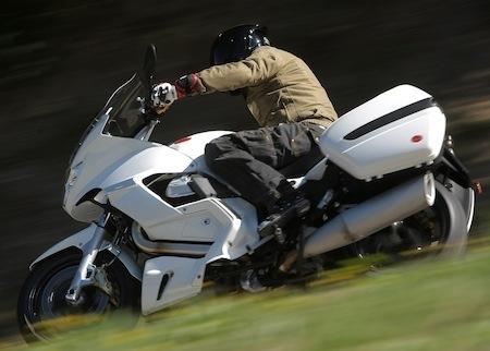 Essai - Moto Guzzi Norge GT8V: une moto retravaillée pour 2011.