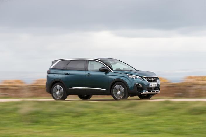 Marché automobile France - Le bilan de juillet2017: Peugeot leader, BMW en panne